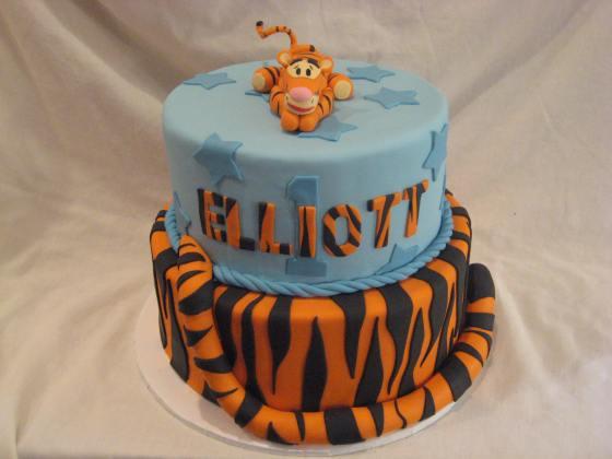 Tigger Cake 4