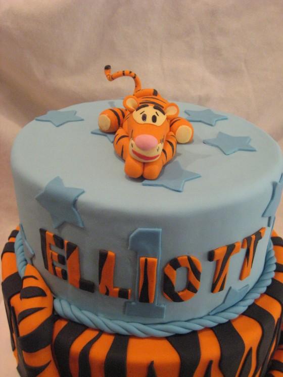 Tigger Cake 3