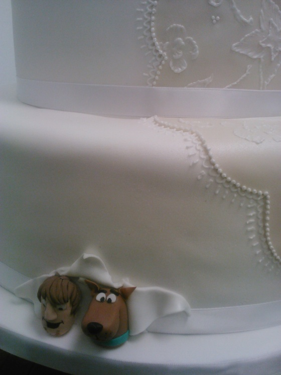 scooby and shaggy wedding cake 2